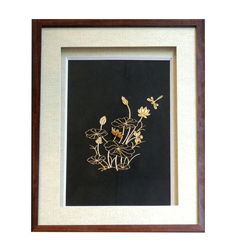 Quà tặng sếp nữ sang trọng - Tranh hoa Sen mạ vàng 24k