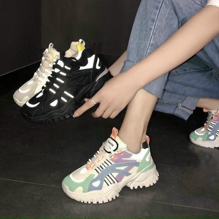 Giày thể thao phối vân màu - 4P