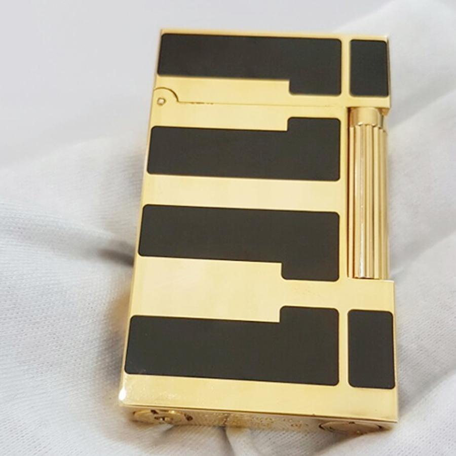 Hộp Quẹt Bật Lửa Gas Đá Sơn Mài Đen D99V Họa Tiết Hoa Văn Cách Điệu Ngang Màu Vàng Đen