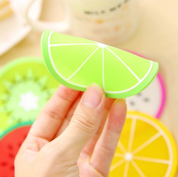 Combo 10 đế lót ly trái cây nhựa dẻo xinh xắn - Giao mẫu ngẫu nhiên