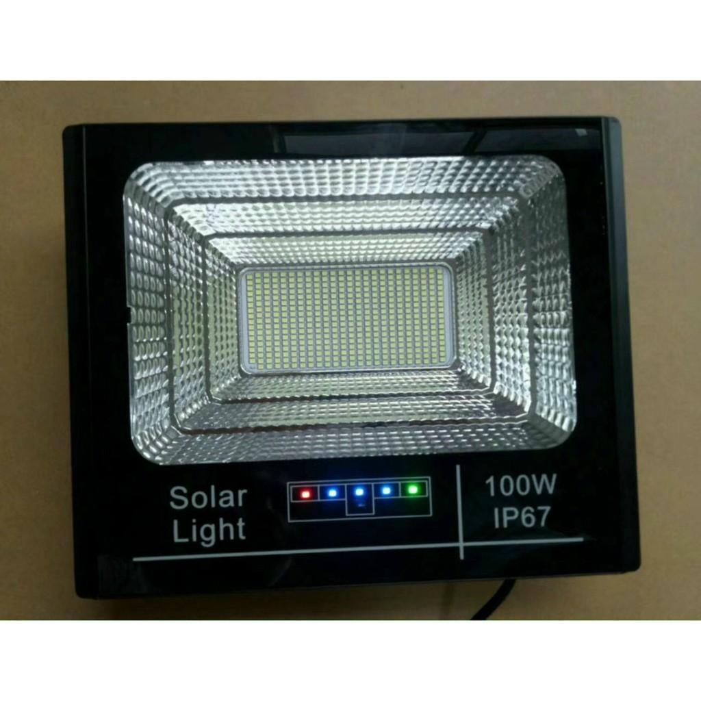 Đèn pha năng lượng mặt trời 100w báo pin mẫu mới nhất chống nước IP67