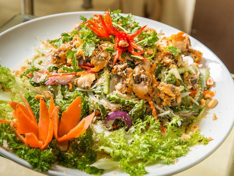Buffet cuối tuần ốc và hải sản tại Khách sạn Sài Gòn