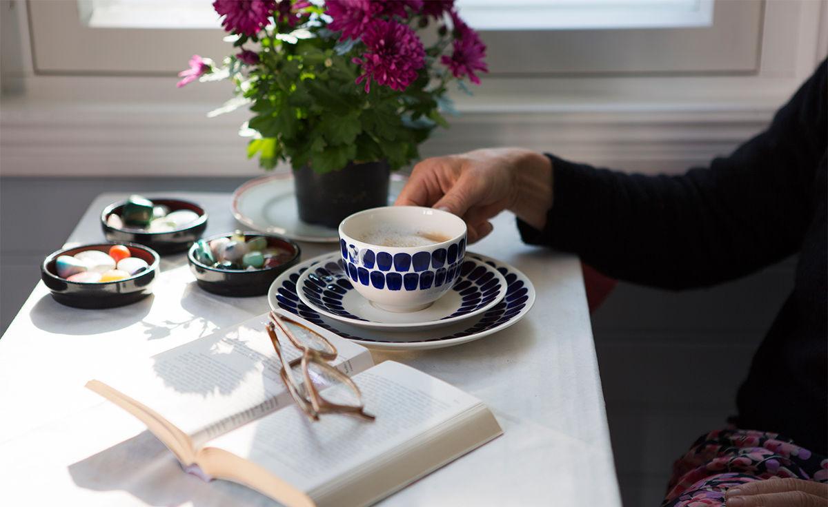 Cốc sứ Tuokio Iittala, họa tiết xanh cobalt