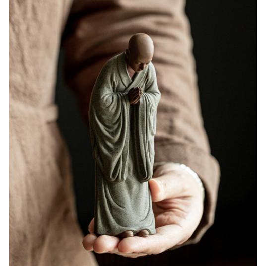 Tượng gốm Tăng nhân Nhà sư bái phật- Tượng Tu sĩ thành tâm hướng phật NHỰA COMPOSITE