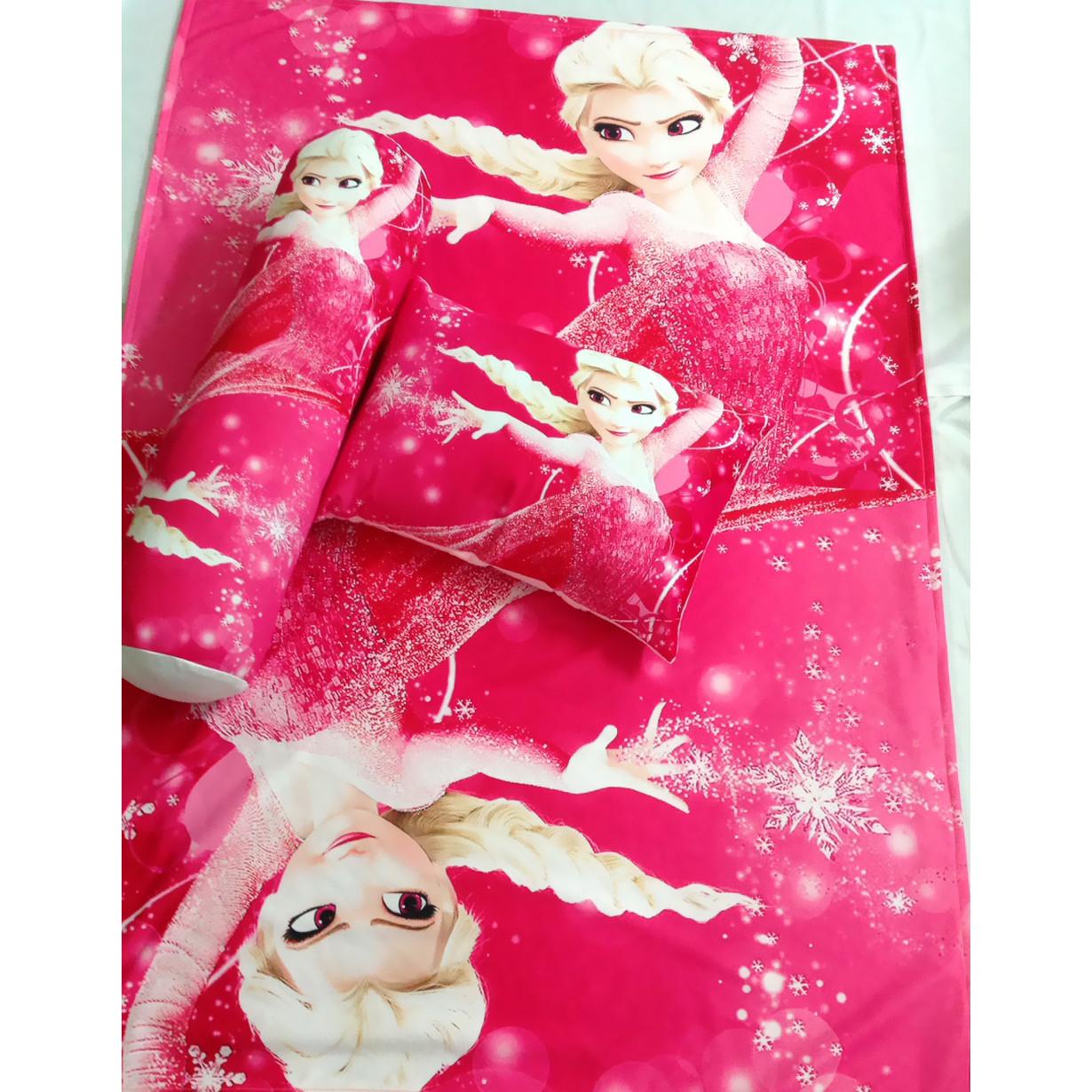Bộ chăn gối hình Elsa đỏ cho bé 3-5 tuổi