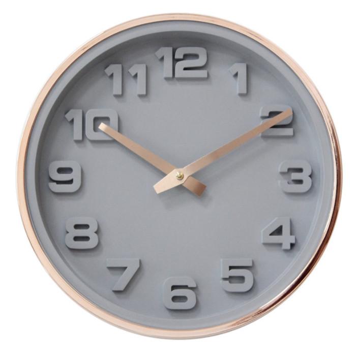 Đồng hồ treo tường tròn họa tiết số khắc nổi nền xám viền vàng đồng 30cm