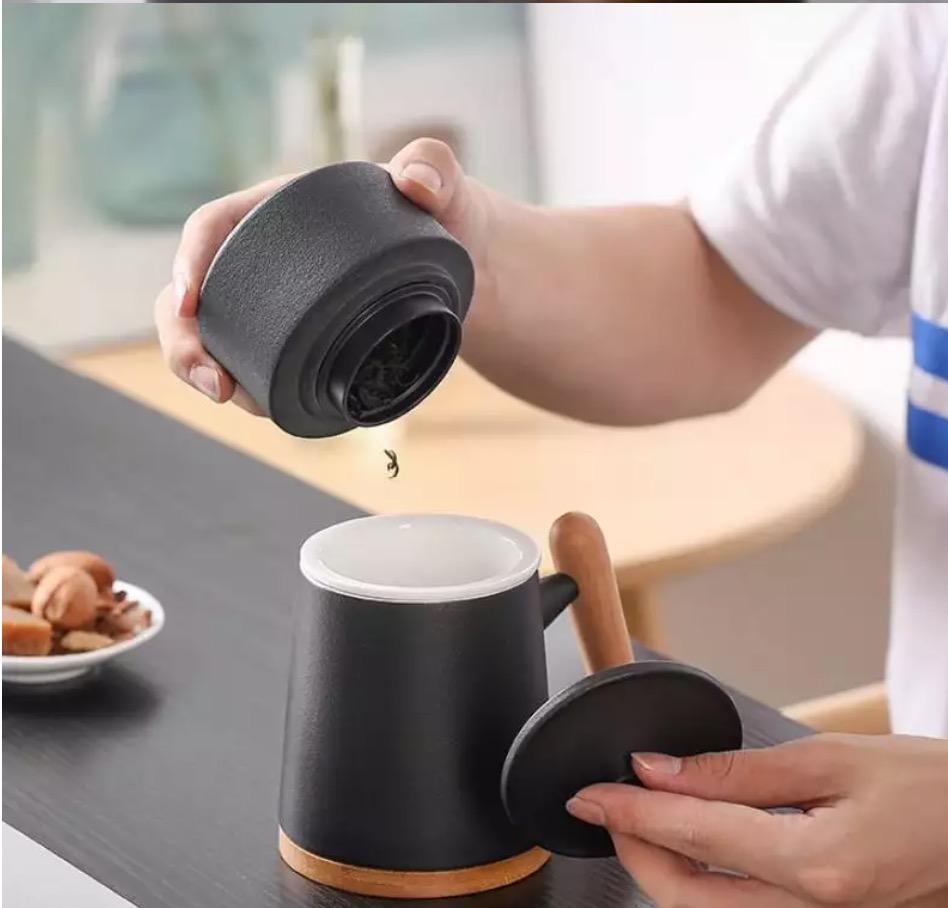 Cốc lọc trà bằng sứ kèm hộp quà tặng
