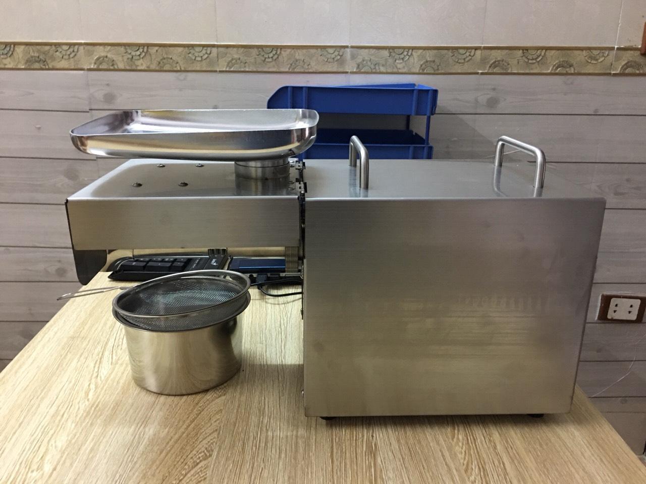 Máy ép tinh dầu bơ ,dầu dừa, dầu đậu phộng AK03