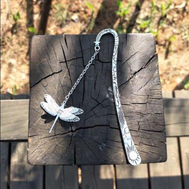 Bookmark chuồn chuồn dạ quang, trượng nhật nguyệt - Tặng hộp giấy