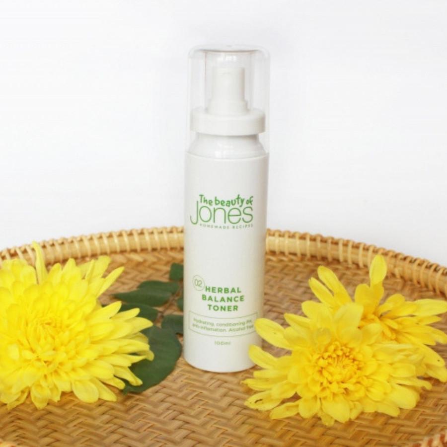 Toner hỗ trợ trị mụn hoa cúc Herbal Balance Toner 100ml