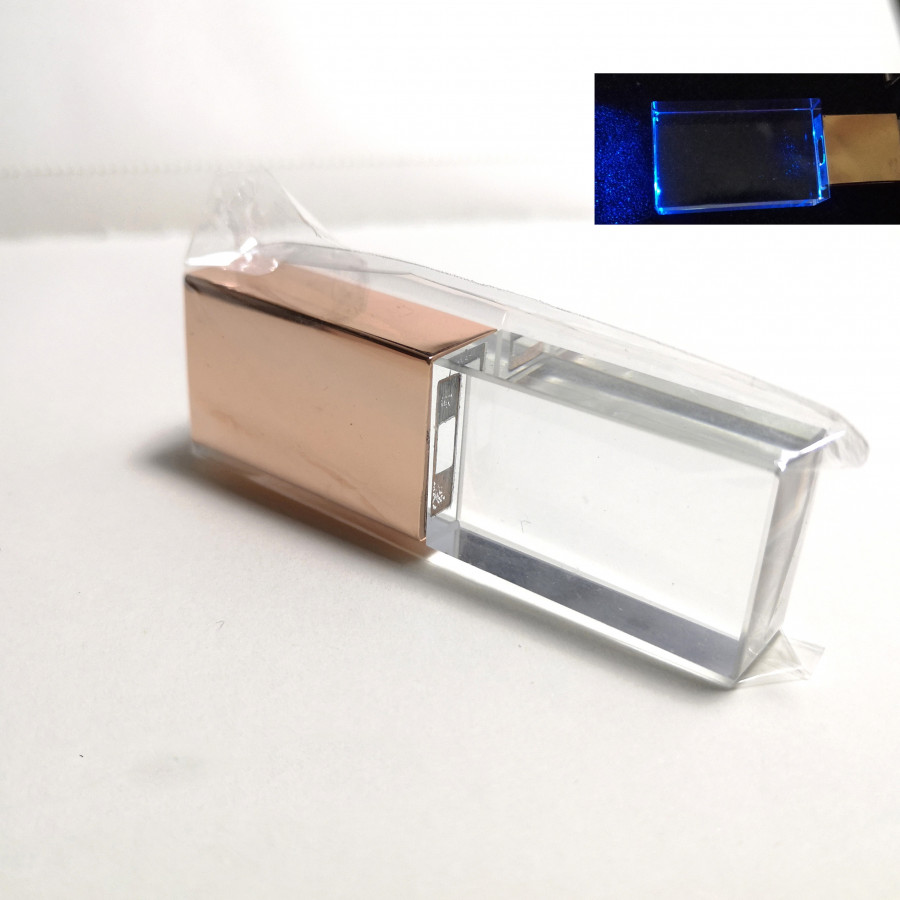 Chiếc USB crystal rose
