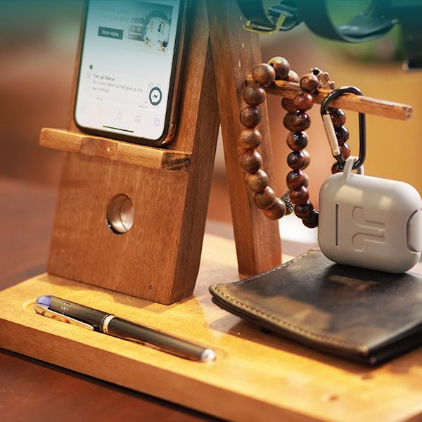 Kệ gỗ điện thoại đa năng