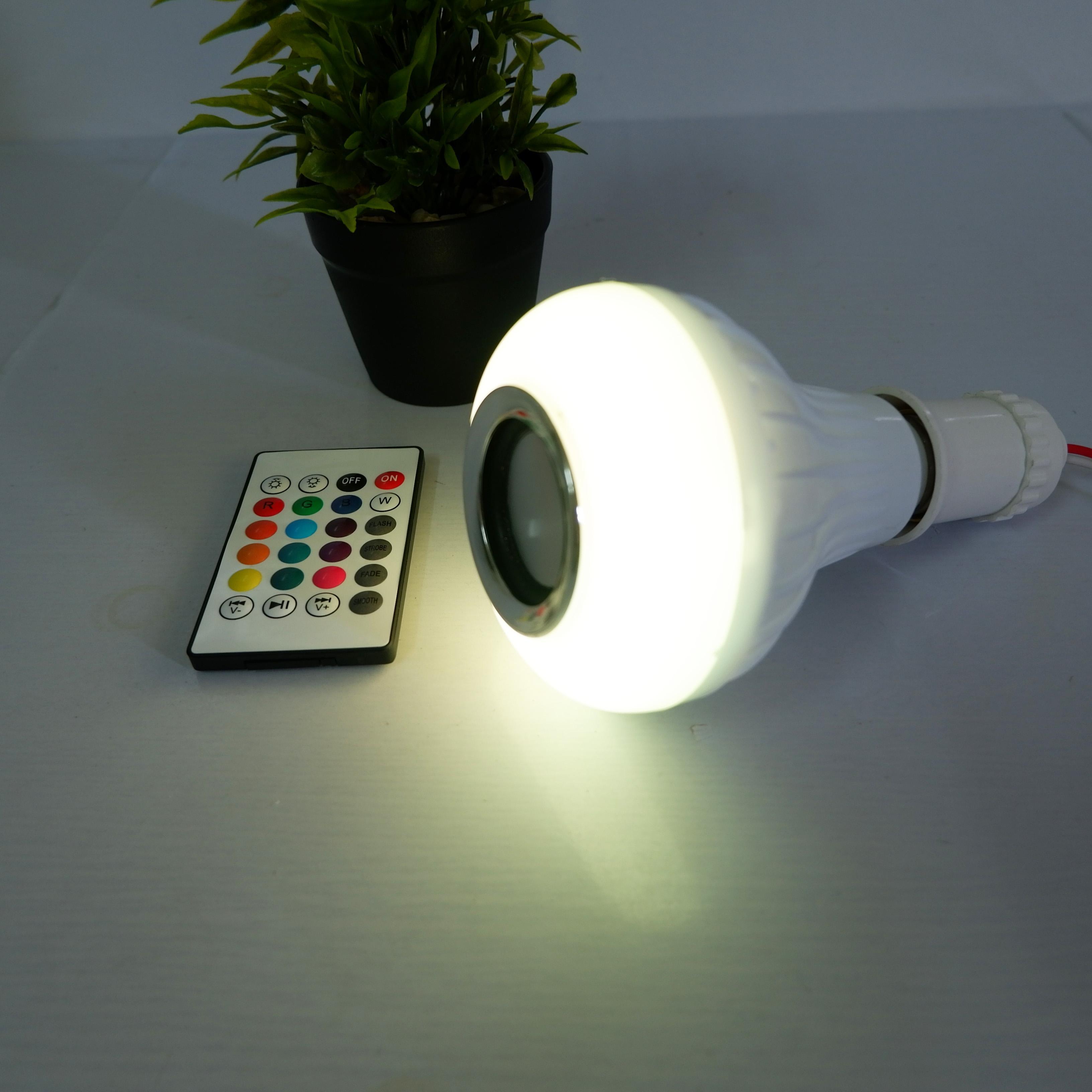 Bóng Đèn LED Thông Minh Phát Nhạc Điều Khiển Bằng Bluetooth Có Kèm Điểu Khiển - Tặng Kèm Bóng Đèn LED Hình Chai Ngẫu Nhiên