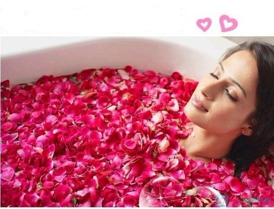 sua tam huong hoa hong joia collagen beleza