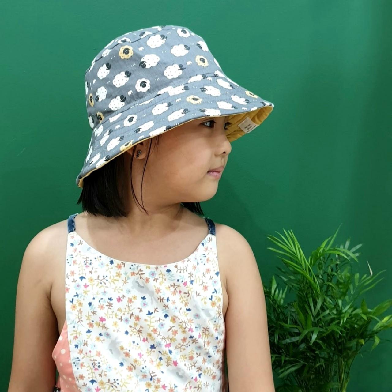Mũ tai bèo, mũ tròn rộng vành, bucket cho bé từ 0 - 12 tuổi hình cừu ngộ nghĩnh đáng yêu. Mũ đội 2 mặt chống nắng, tia UV đi biển, dã ngoại