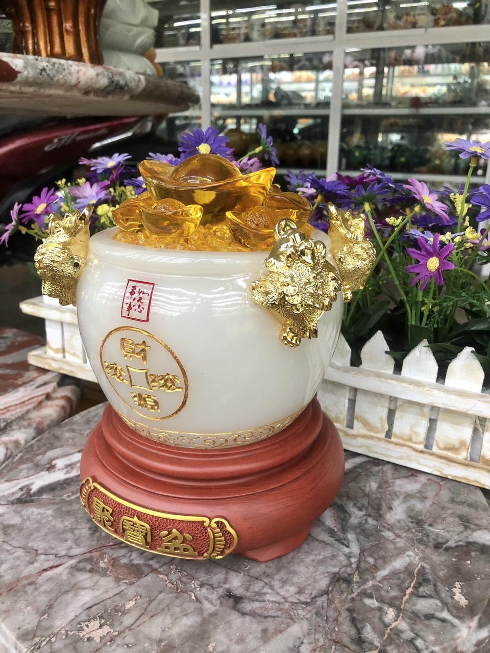 Hủ vàng, Bát Tụ Bảo, Bát tụ tài phong thủy đá bạch ngọc được chạm khắc thêm 4 con thiềm thừ chiêu nạp tài lộc - Cao 18cm