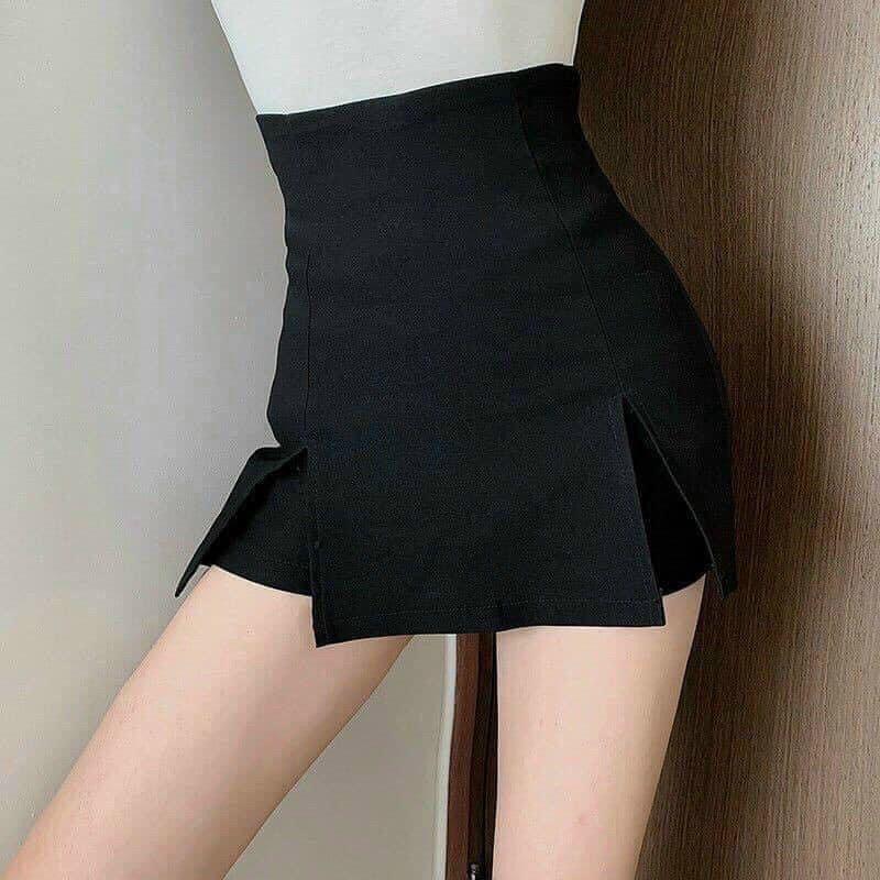 Chân váy chữ A sẻ đùi có quần trong