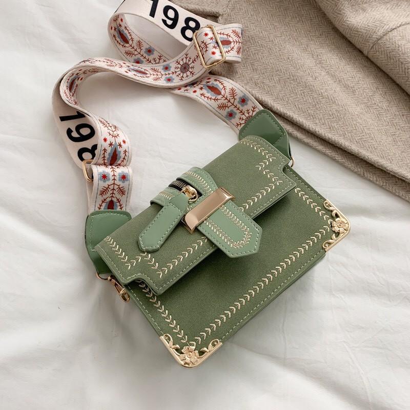 Túi xách đeo chéo nữ nẹp viền da Luvito TX19