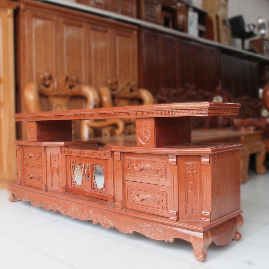 Kệ tivi gỗ xoan đào mẫu tân cổ điển 2m