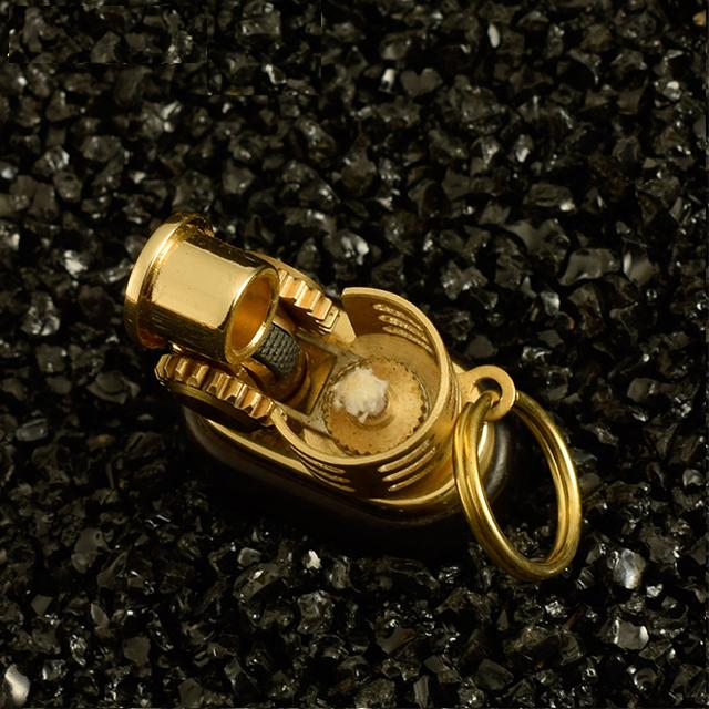 Combo Hộp Qụet Bật Lửa Xăng Đá Mini Z588 Thiết Kế Độc Lạ Vỏ Ốp Gỗ Tinh Tế Sang Trọng + Tặng Bình Xăng Chuyên Dụng Cho Bật Lửa Xăng Đá Cao Cấp