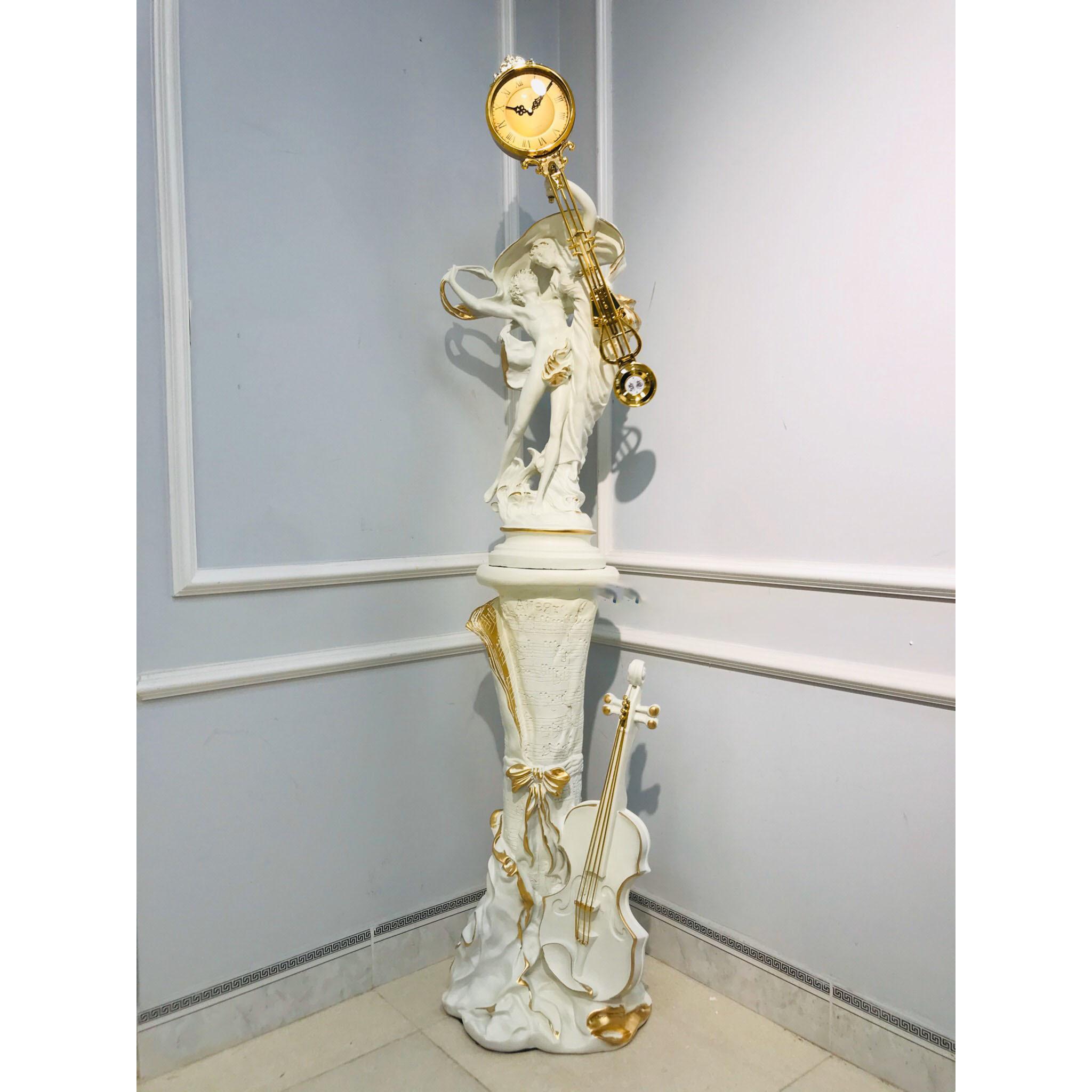 Đồng hồ để bàn  - (vàng- Trắng)- Đông hồ cây - kích thước đồng hồ: 22 x 88 cm kích thước kệ ghita : 40 x 35 x 80 cm Đồng hồ chân kệ đồng hồ chạy pin và không đánh chuông