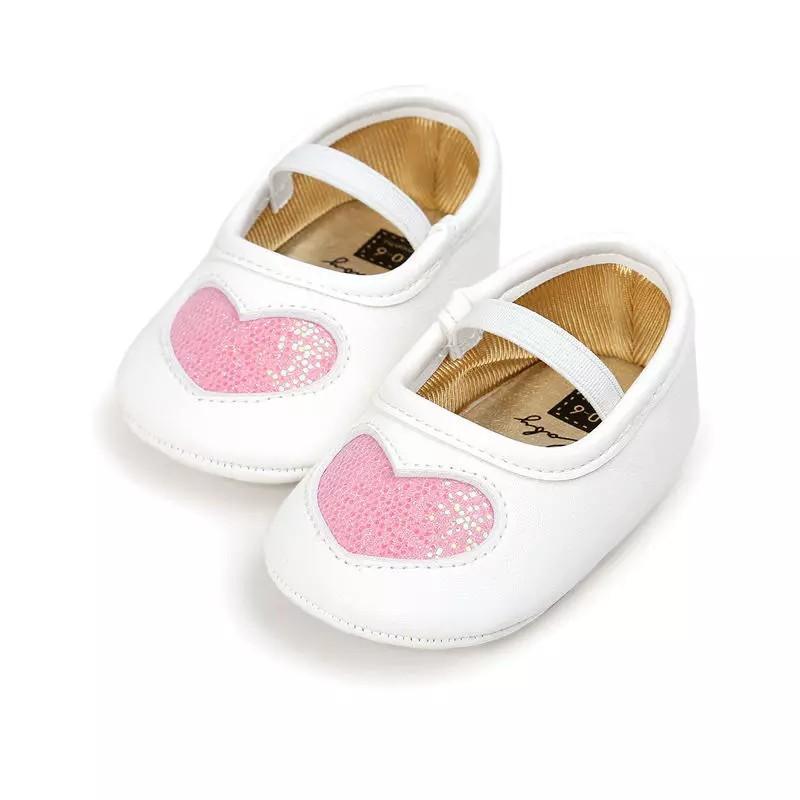 Giày tập đi cho bé gái từ 0 – 18 tháng tuổi trái tim nhũ xinh xắn BBShine – TD5