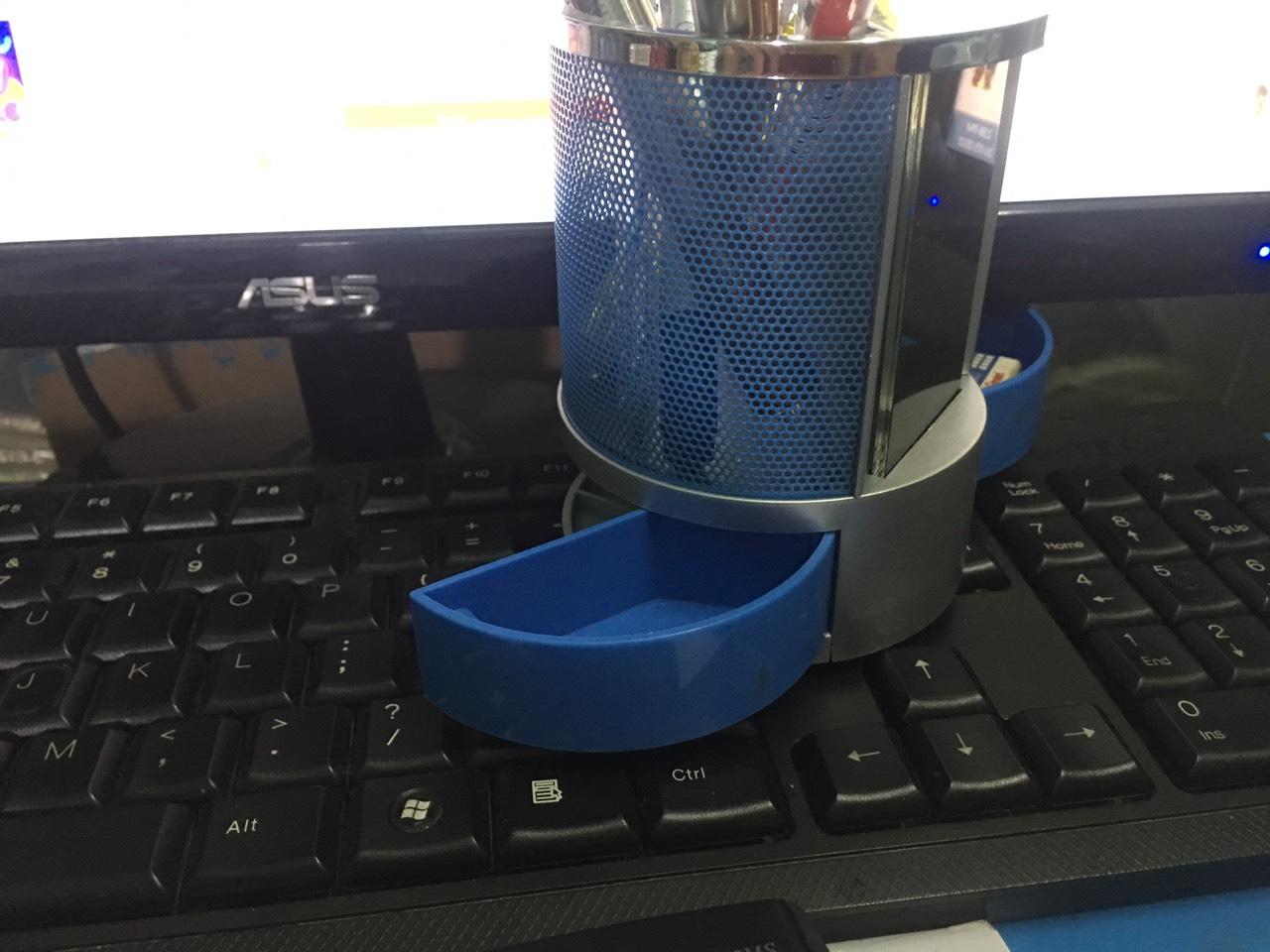 Hộp đựng bút có đồng hồ hiển thị LED - Màu ngẫu nhiên