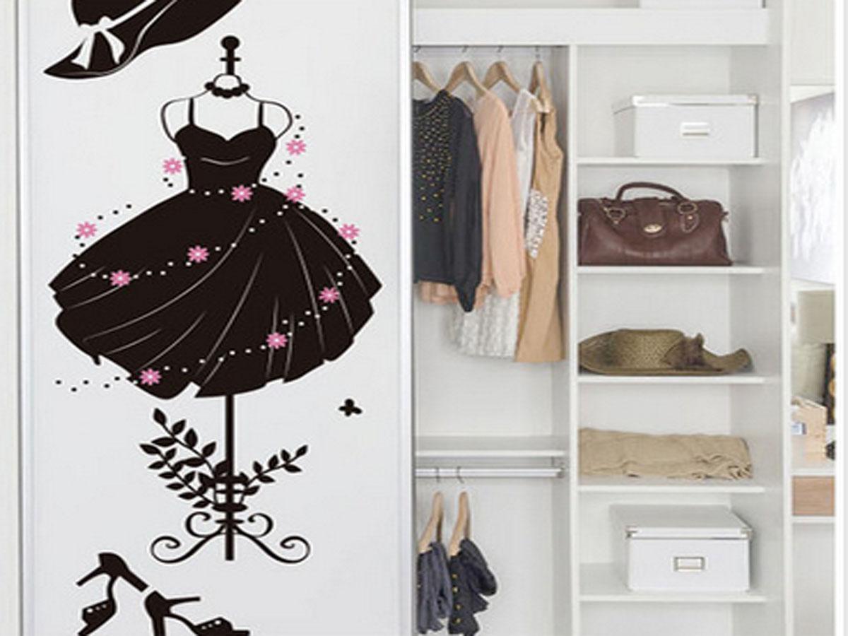 decal dán tường bộ váy đen