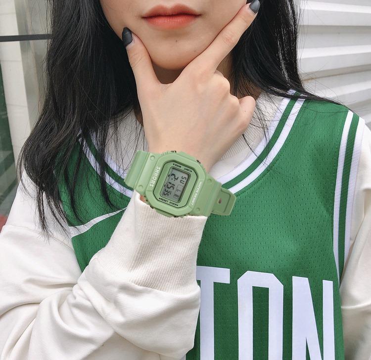 Đồng hồ nữ thể thao màu xanh matcha cực đẹp chống nước