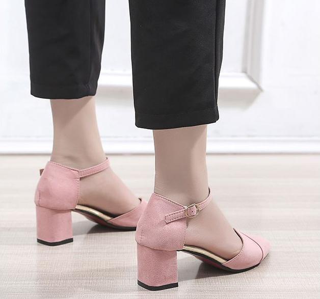 Giày nữ Bloom cao gót 5cm da lộn bít đầu đắp chéo đế vuông đẹp