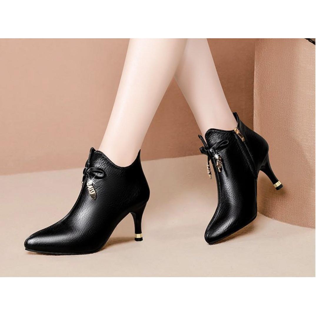 Giày boot nữ cao gót phong cách Hàn Quốc cao 6cm 2 màu đen, kem B146