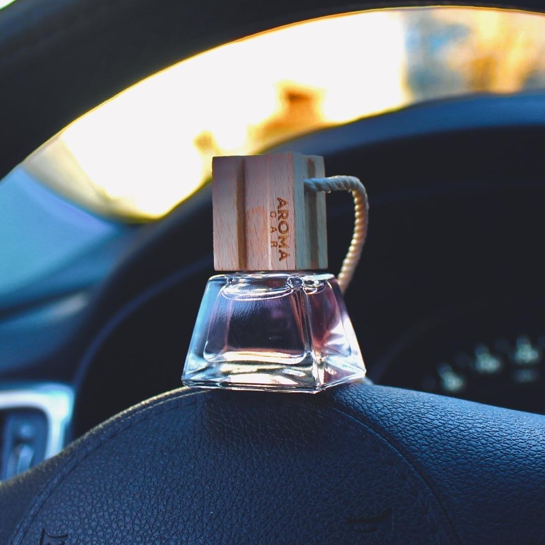 Tinh dầu treo ô tô Aroma Car Prestige Wood 7ml - Gold