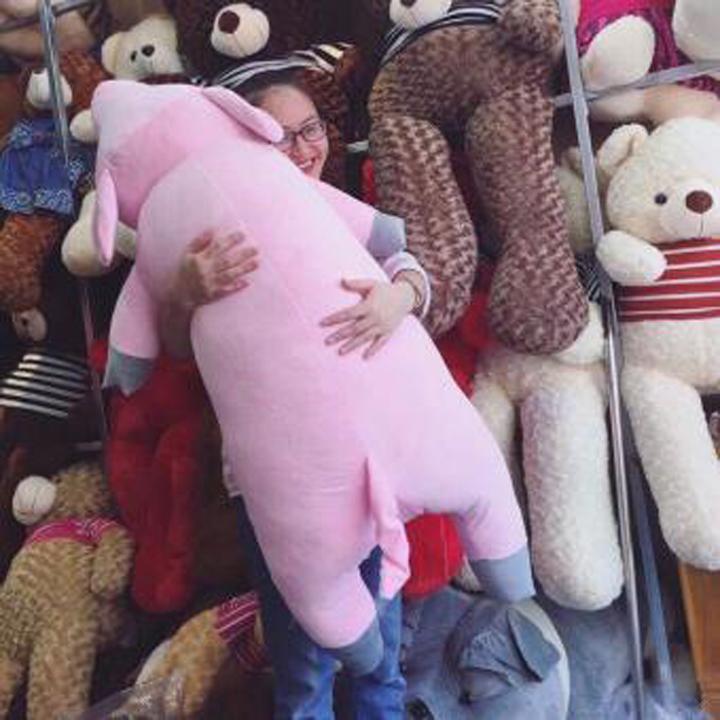 Gấu bông heo lười 1m2 gấu bông sóc nhí - Tặng khẩu trang thời trang vải Su màu ngẫu nhiên