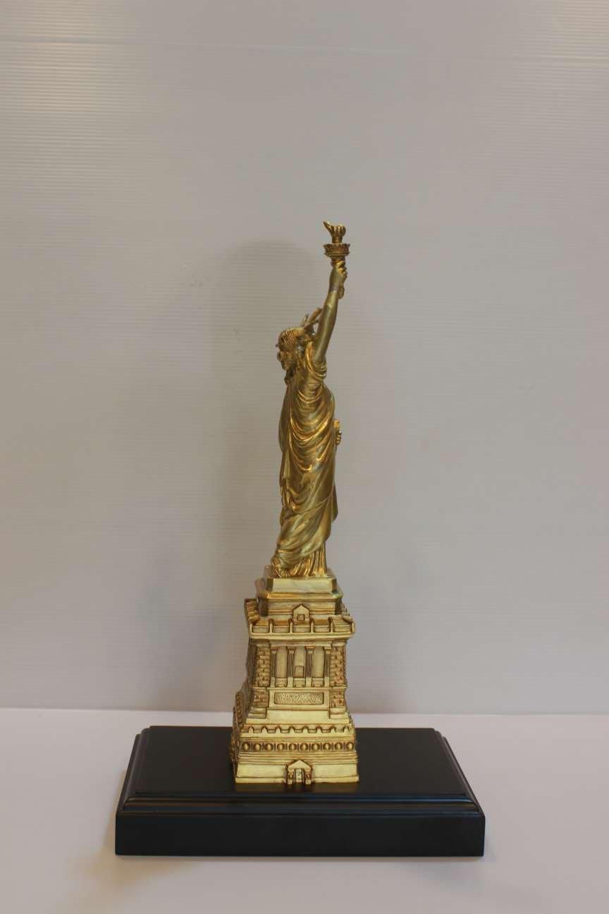 Tượng nữ thần tự do bằng đồng vàng 30cm