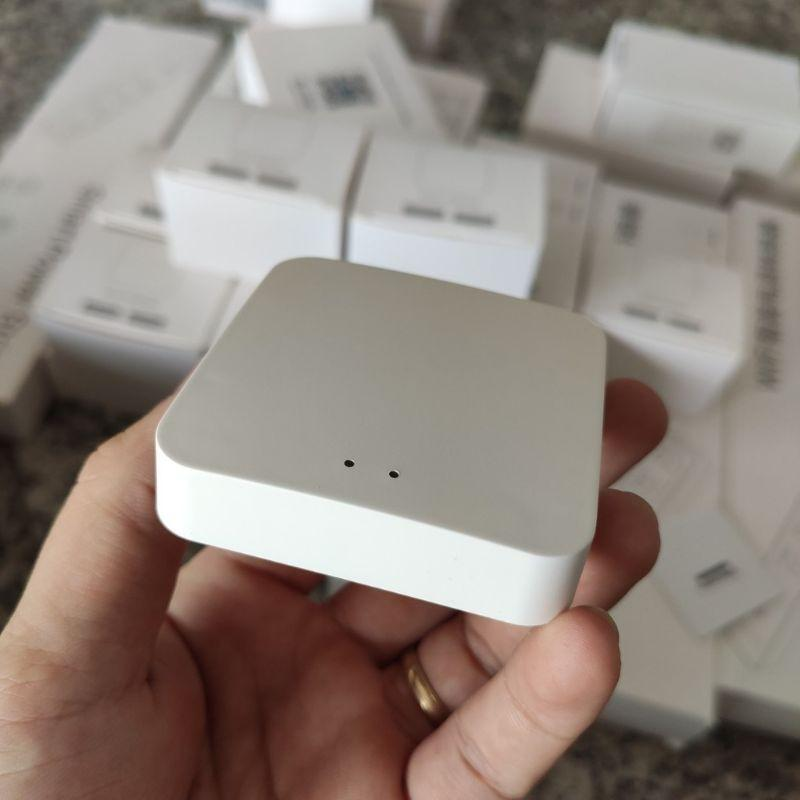 Bộ trung tâm sóng zigbee kết nối wifi hệ Tuya