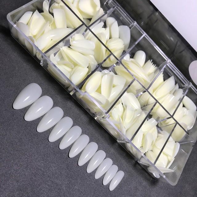 Móng up các fom: thang,vuông,nhọn (hộp 600 móng)