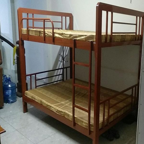 Giường tầng sắt hộp giả gỗ cao cấp với kích thước trên 1m6 dưới 1m6 dài 2m