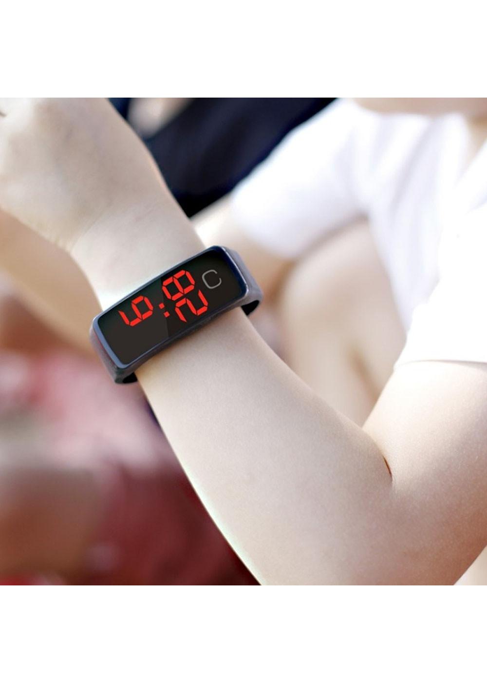 COMBO 02 đồng hồ đeo tay thời trang cho trẻ em kĩ thật số, sử dụng PIN