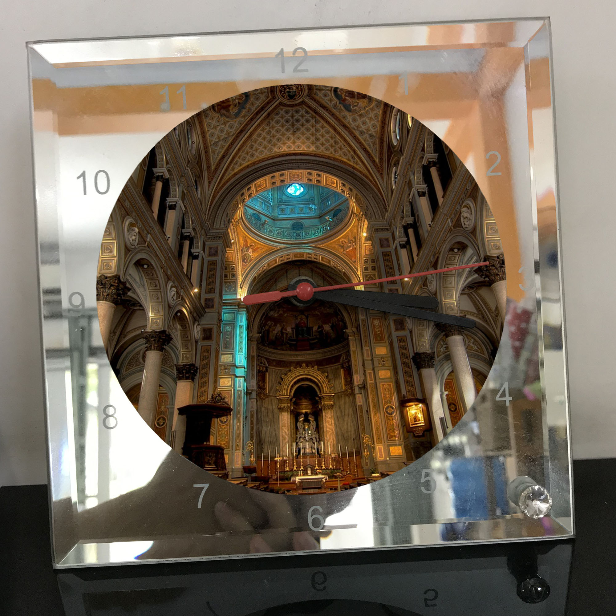Đồng hồ thủy tinh vuông 20x20 in hình Cathedral - nhà thờ chính tòa (38) . Đồng hồ thủy tinh để bàn trang trí đẹp chủ đề tôn giáo