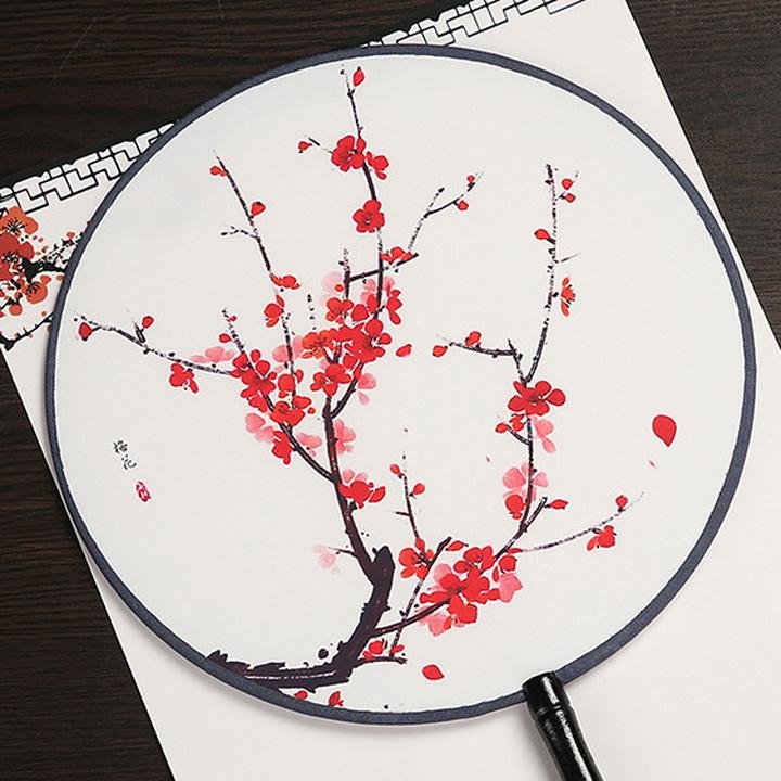 Quạt tròn cổ trang hoa mai đỏ loại nhỏ đường kính 21cm