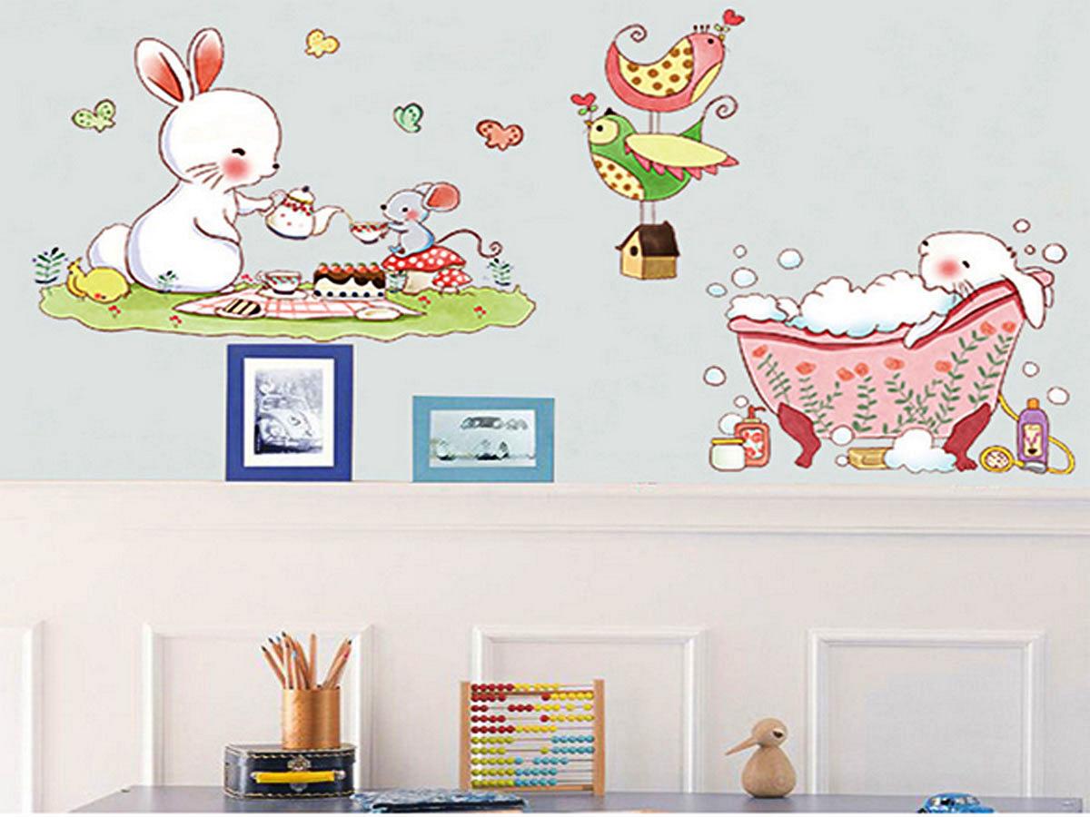 decal dán tường thỏ trắng ăn bánh và tắm am9171