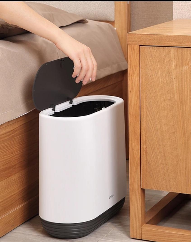 Thùng rác hiện đại, thanh lịch