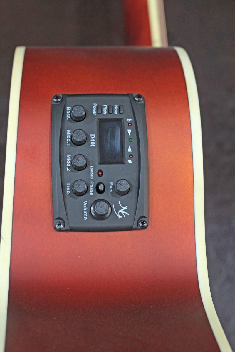 Đàn Guitar Acoustic NG-RED có tích hợp sẵn EQ