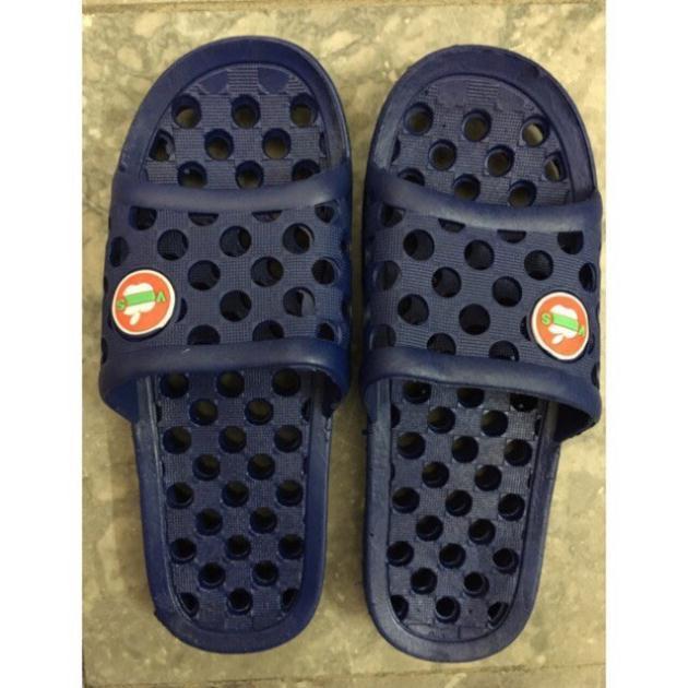 1 đôi Dép lỗ đi nhà tắm hàng chuẩn Việt