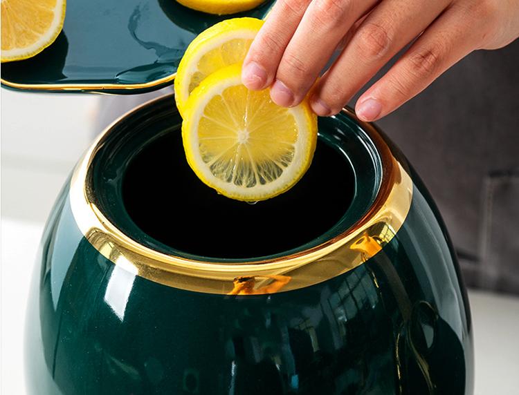 Bộ bình rót nước kèm 6 cốc sứ giá gỗ - Xanh ngọc bích