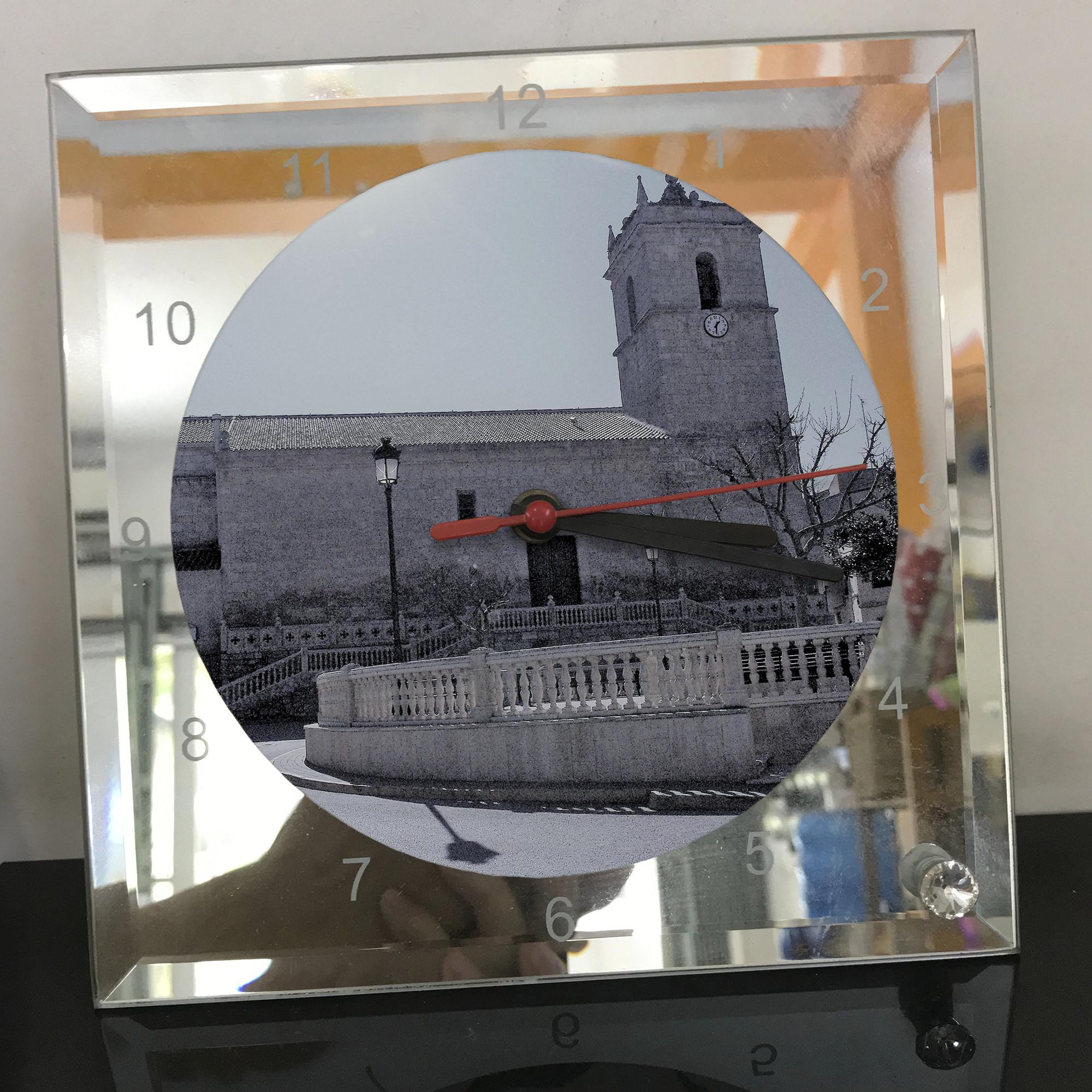 Đồng hồ thủy tinh vuông 20x20 in hình Church - nhà thờ (108) . Đồng hồ thủy tinh để bàn trang trí đẹp chủ đề tôn giáo