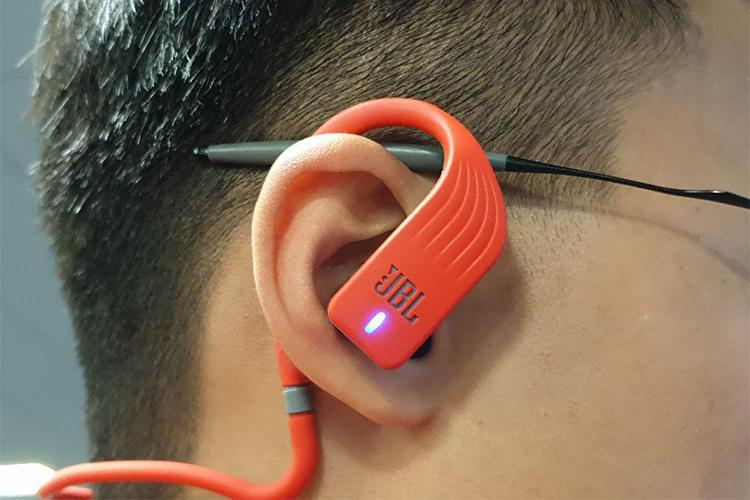 Tai Nghe Bluetooth Thể Thao JBL Endurance Jump - Hàng Chính Hãng