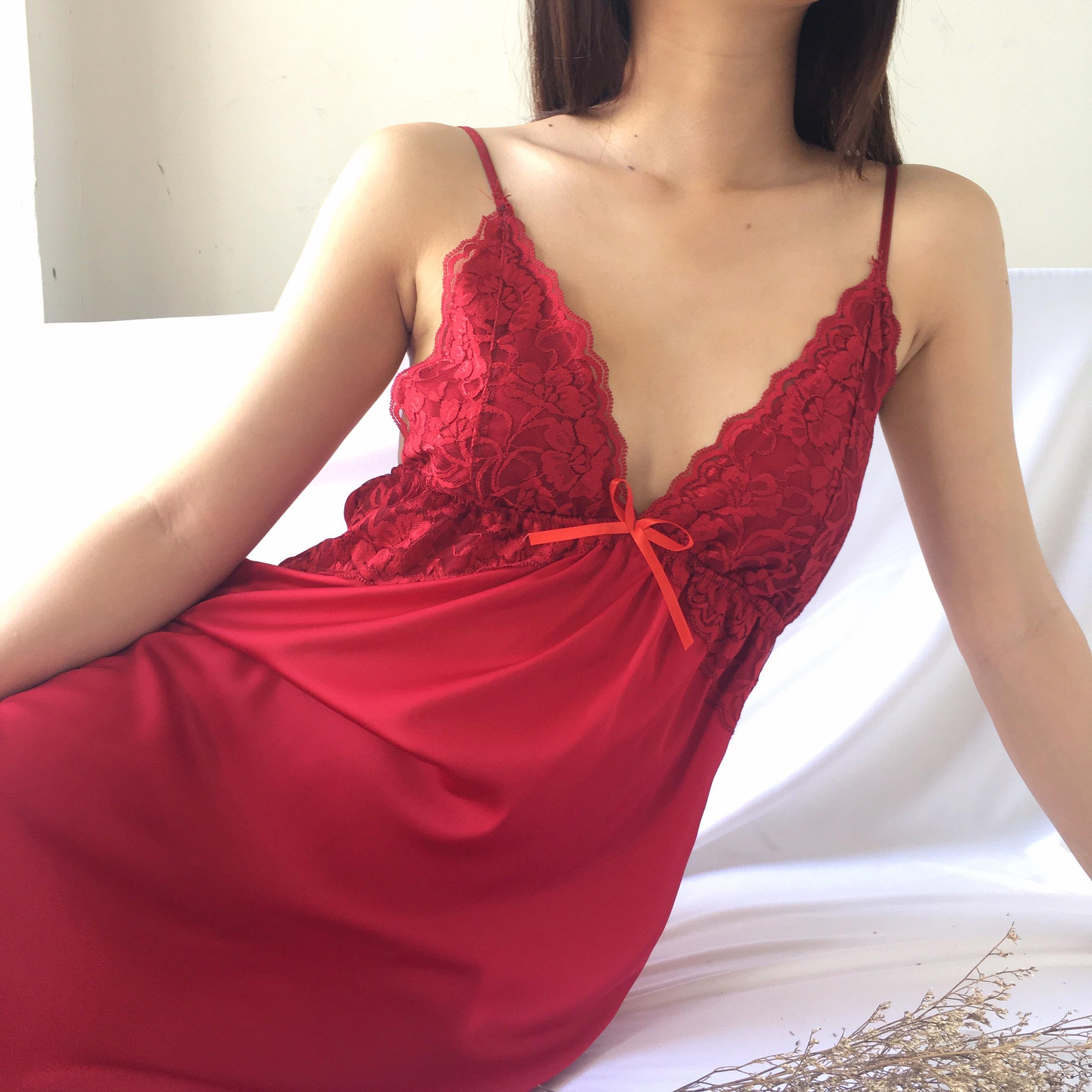 [HATU SLEEPWEAR] Váy ngủ lụa dáng dài Elsa phối ren sexy-Màu đỏ tặng kèm quần chip ren