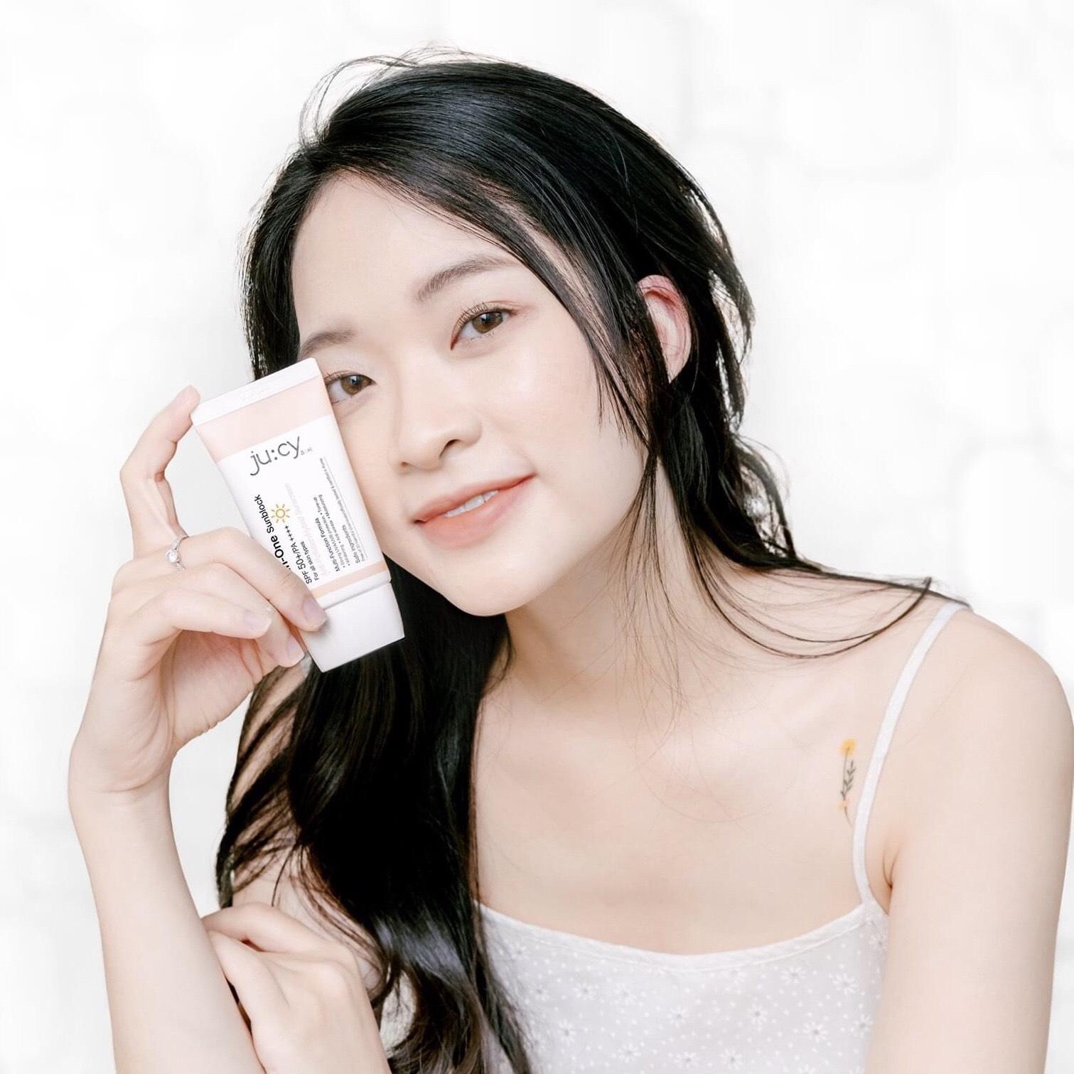 (HÀNG CHÍNH HÃNG) Kem chống nắng trắng da Hàn Quốc Jucy All In One giúp ngừa nám, căng bóng, trắng hồng, se khít lỗ chân lông, thích hợp với mọi loại da