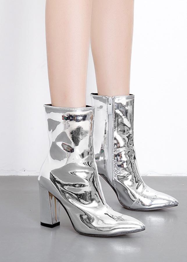 Giày Boot cổ ngắn nữ màu bạc GBN1302